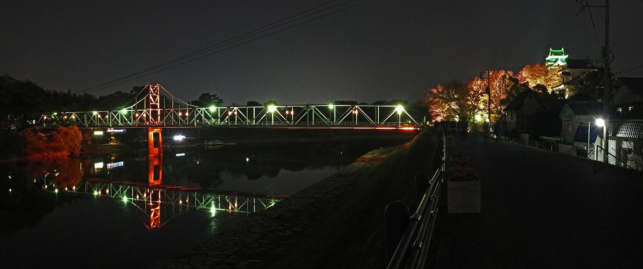 s-20151122 烏城灯源郷の今日の月見橋ライトアップの様子ワイド風景 (1)