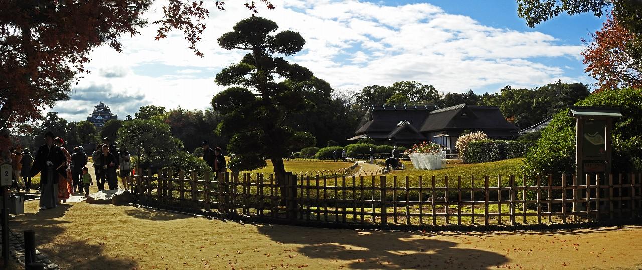 s-20151124 後楽園今日の園内入口付近のワイド風景 (1)