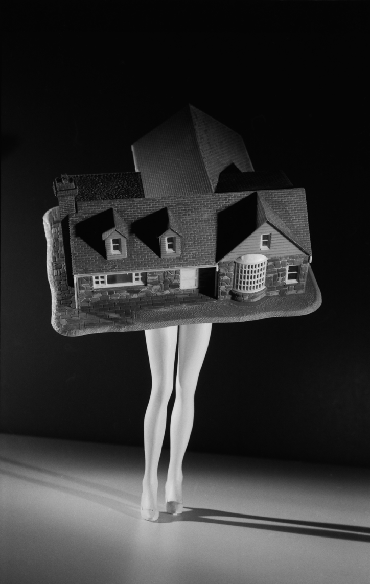 Laurie-Simmons_Walking-House-from-Walking-and-Lying-Objects-1989.jpg