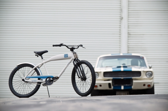 01-shelby-felt-cruiser-bike.jpg