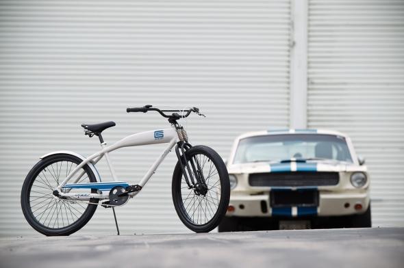 01-shelby-felt-cruiser-bike.jpg