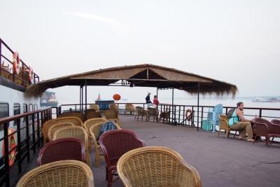 Boat_to_Bagan_1502-101.jpg