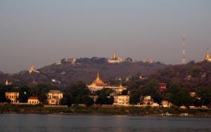 Boat_to_Bagan_1502-109.jpg