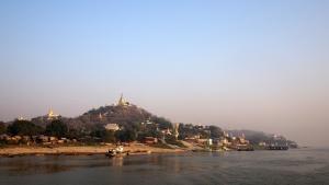Boat_to_Bagan_1502-111.jpg