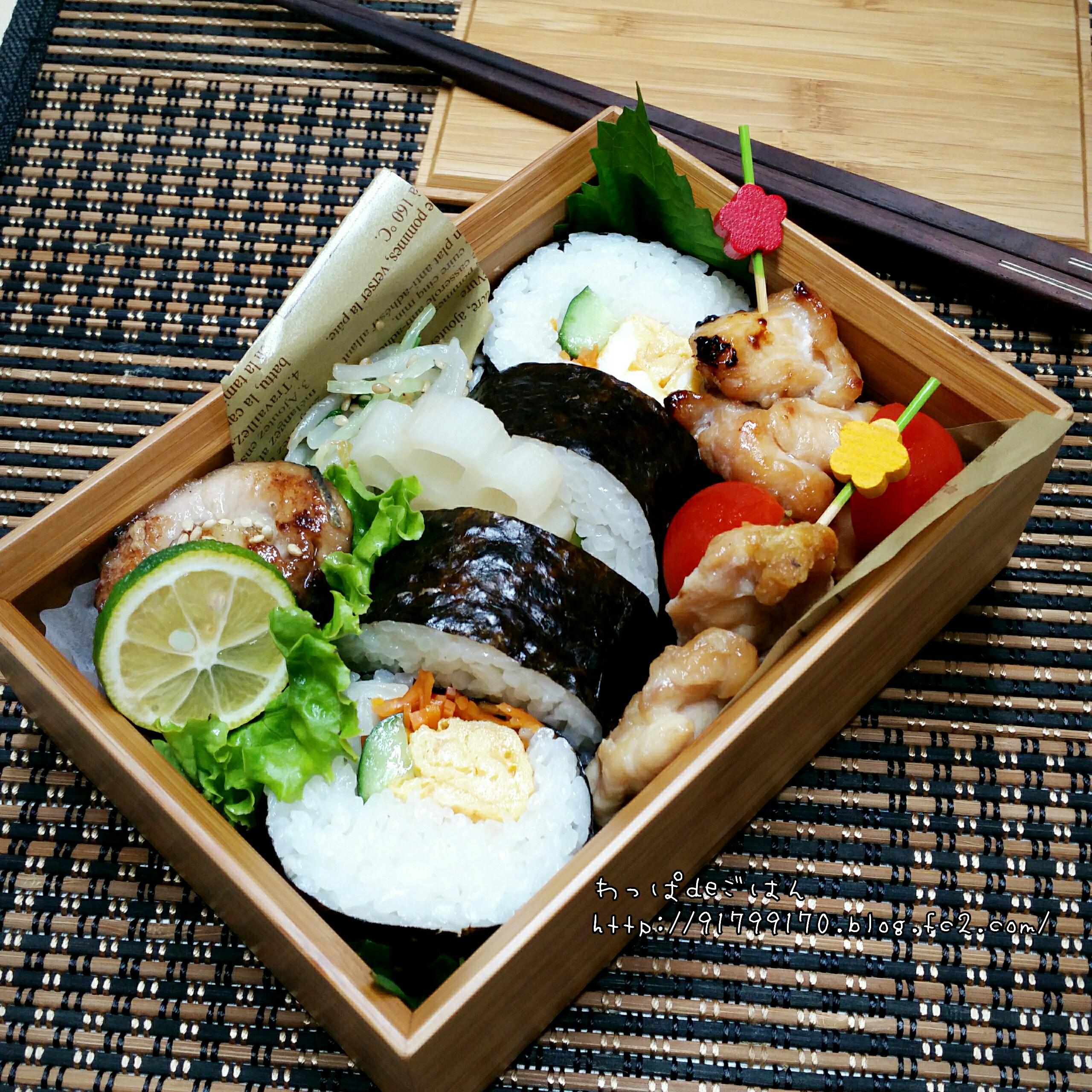 焼き鳥と巻き寿司弁当