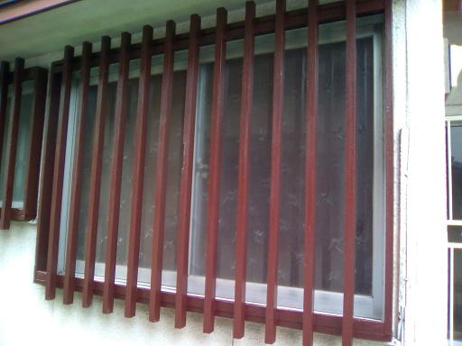 玄関横窓格子_塗り