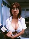 田代さやか セクシー 巨乳おっぱいの谷間 ブラジャー メガネ カメラ目線 誘惑 高画質エロかわいい画像9485