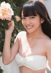AKB48 向井地美音 セクシー チューブトップビキニ水着 おっぱいの谷間 カメラ目線 誘惑 高画質エロかわいい画像9578