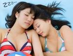 SKE48 古畑奈和 梅本まどか セクシー ビキニ水着 おっぱいの谷間 寝顔 目を閉じている 高画質エロかわいい画像9689