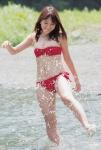 SKE48 大場美奈 セクシー チューブトップビキニ水着 巨乳おっぱいの谷間 水しぶき 高画質エロかわいい画像9843