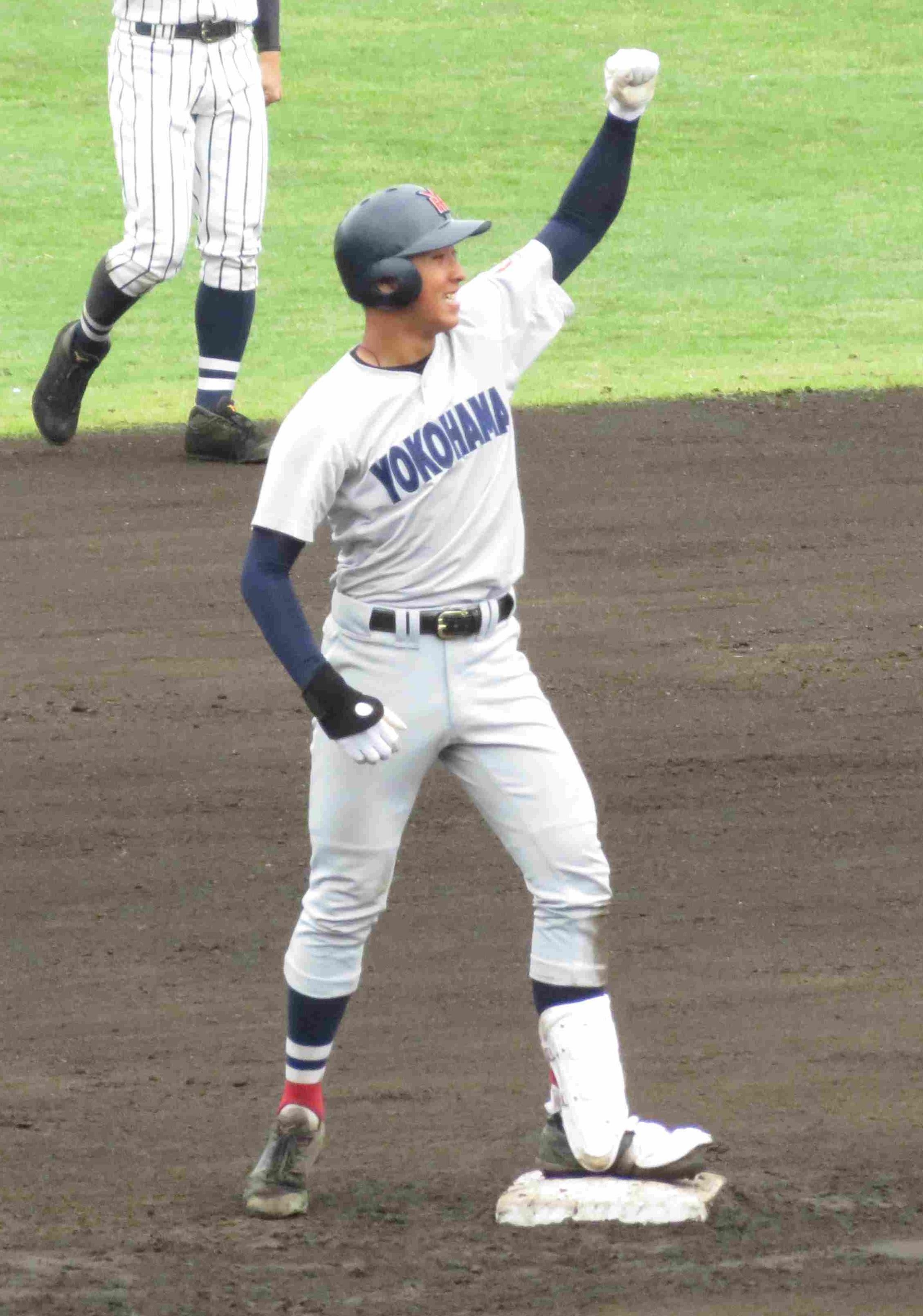横浜 藤平