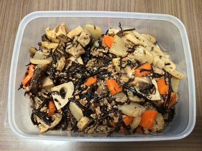 野菜とひき肉の炒り煮