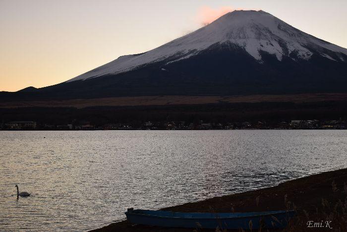 001-Emi-山中湖-富士山