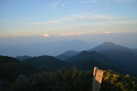 9宮之浦岳の影