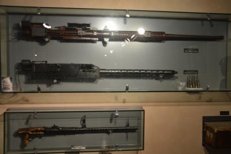 5引き揚げられた機銃