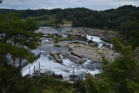 12見下ろす滝