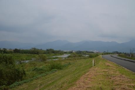6球磨川を登って行く