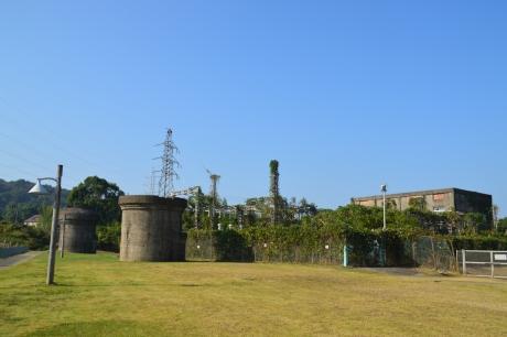 3煙突と変電所