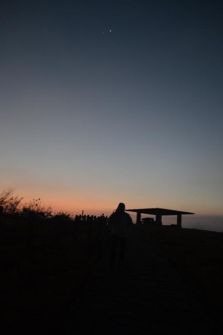 1阿蘇の夜明け