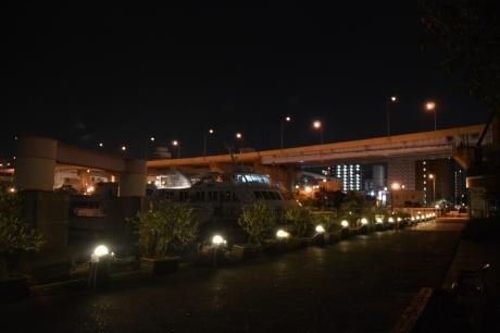 4夜のフェリーターミナル