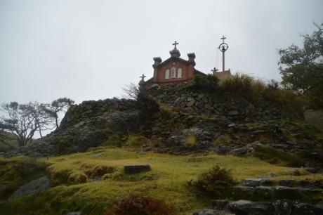 13丘の上にある教会