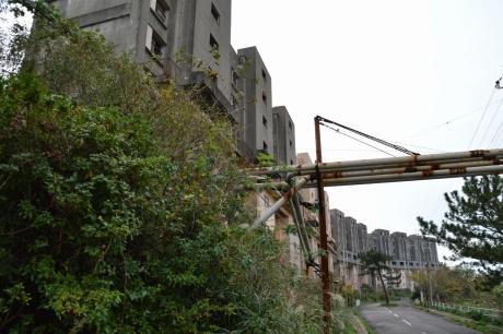 29八階建てビル群
