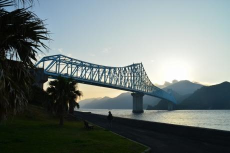 1目の前の生月大橋