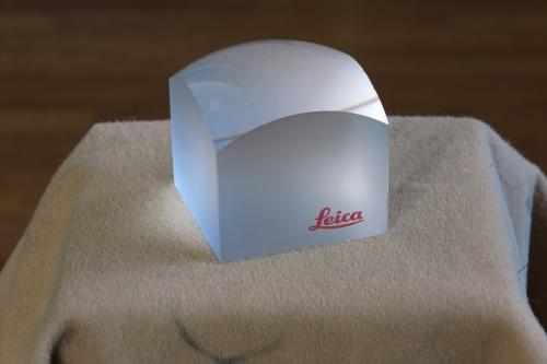 LEICA ガラスの塊 3