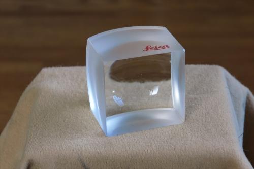 LEICA ガラスの塊 4