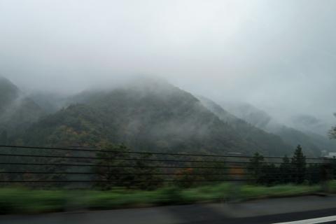 01朝の中央高速