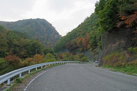48塩川ダムへ