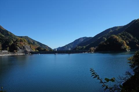 07奥多摩湖