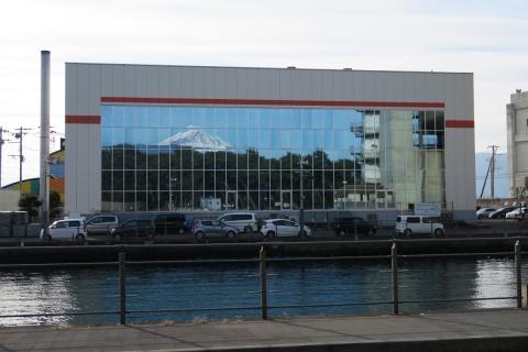 08ガラスに映る富士山