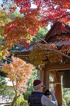 13海蔵寺鐘楼とISさん