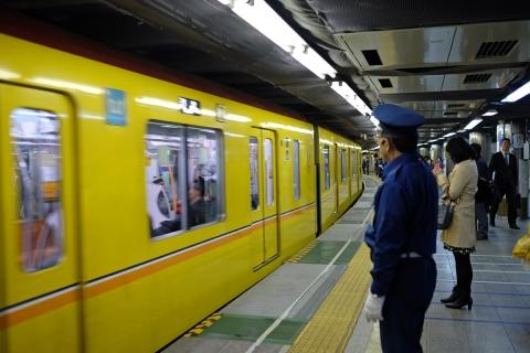 17銀座線上野駅