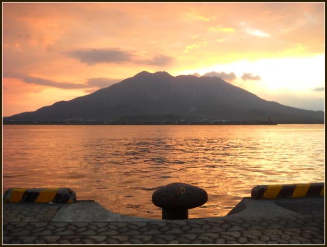 日の出の桜島