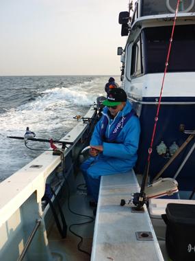 魚釣り 船 釣り人 タチウオ 美味しい 花夢