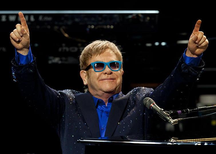 Elton4.jpg