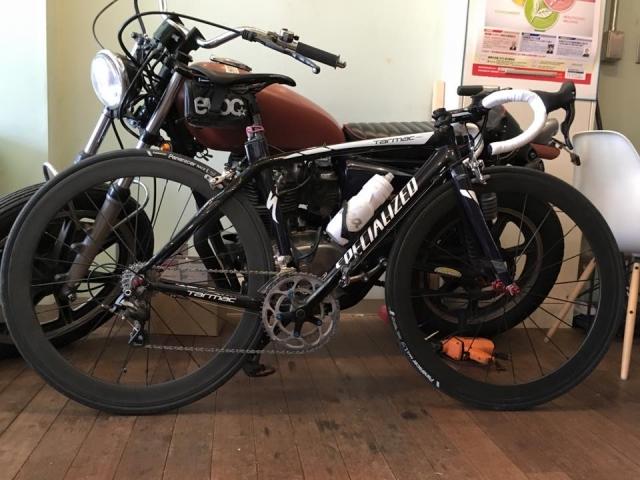 オートバイと自転車