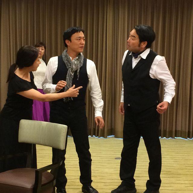 咲良舎下北沢 本多劇場グループ「小劇場B1」公演「偽りの打ち明け話」