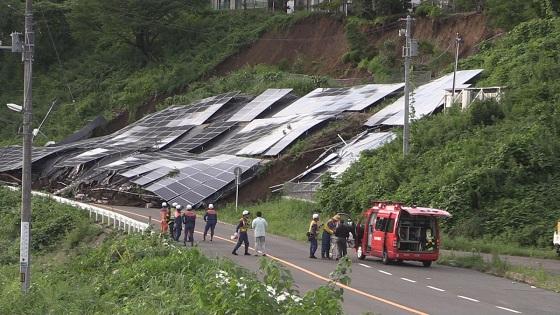 ソーラーパネル崩落 仙台市太白区で土砂崩れ ソーラーパネル設置場所だけピンポイントで土砂崩れ