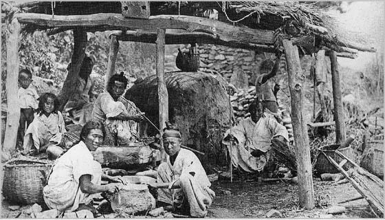 日韓併合前までの朝鮮人は、糞を垂れ流す犬同然の生活をして