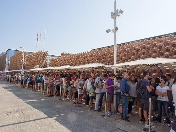 海外「並ぶ価値があった!」 8時間待ちも ミラノ万博日本館が一番人気の大盛況