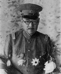 谷寿夫中将の写真。