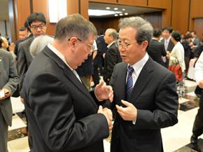 盛大で熱のこもった雰囲気の中、日本の主流メディア、日本駐在の中国メディアおよび在日中国語メディアがレセプションを取材した。