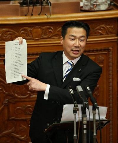 国会で発言する民主党・福山哲郎議員=参院本会議場(古厩正樹撮影)