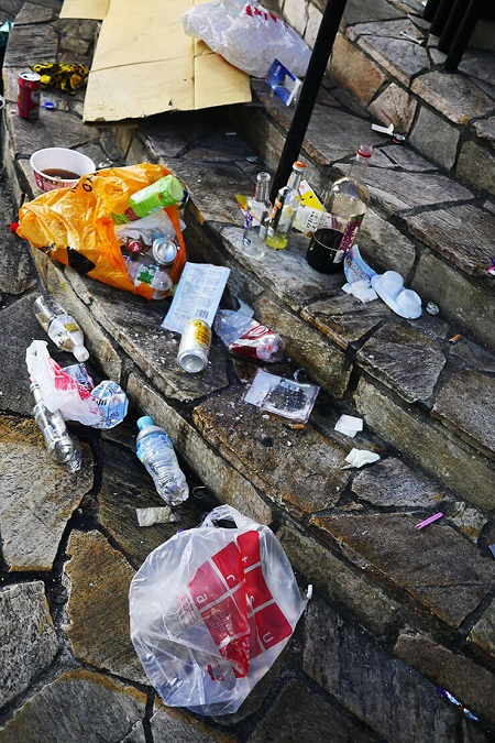 【炎上】ハロウィン参加者がゴミ放置で住民激怒 渋谷がゴミの山でブチギレ「ひどい仕打ちだ」