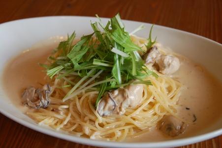 カキと水菜の味噌クリームパスタ