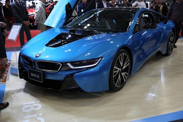 BMW 微妙。