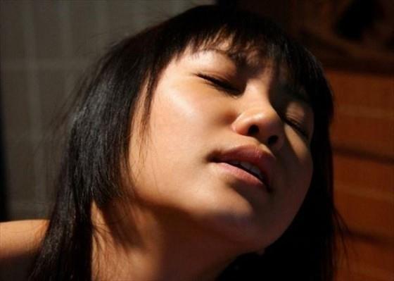 イキ顔 喘ぎ顔 悶え顔 セックス エロ画像b027.jpg